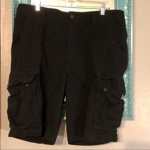 Old Navy Black Cargo 38 Tall Shorts